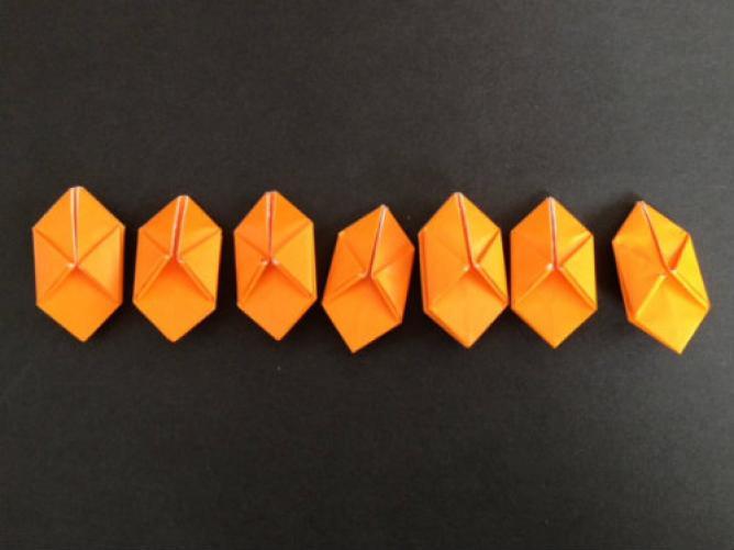 すべての折り紙 折り紙 帽子 立体 : ... 折り紙グッズとデコアイデア集