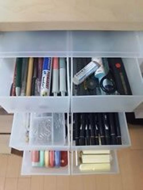 セリアのミニコンと仕切りボックスを無印のクローゼット引出しケースに入れて仕切り